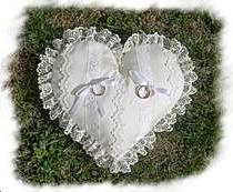 Coussin mariage blanc coeur